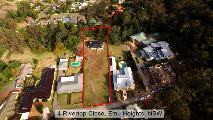 Rivertop Close